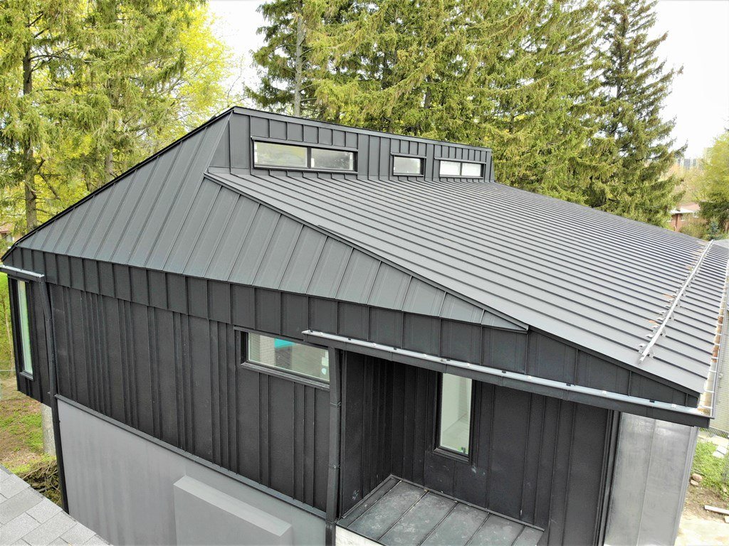Standing Seam Rood and Façade