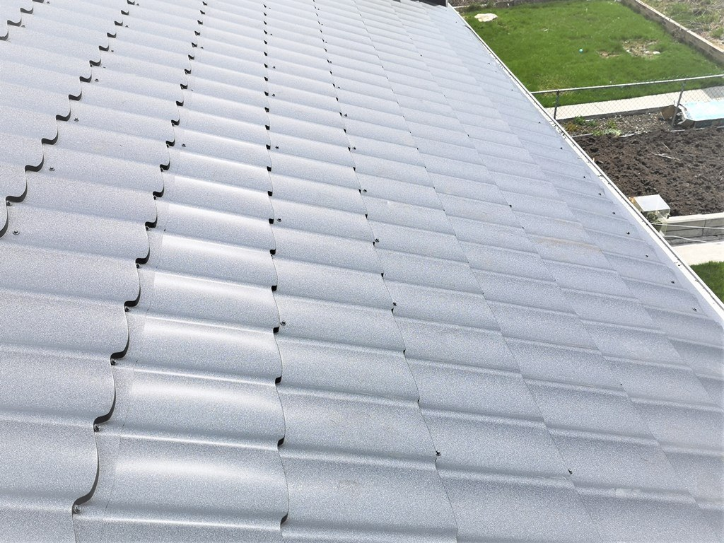 Roofing panel vs standing seam