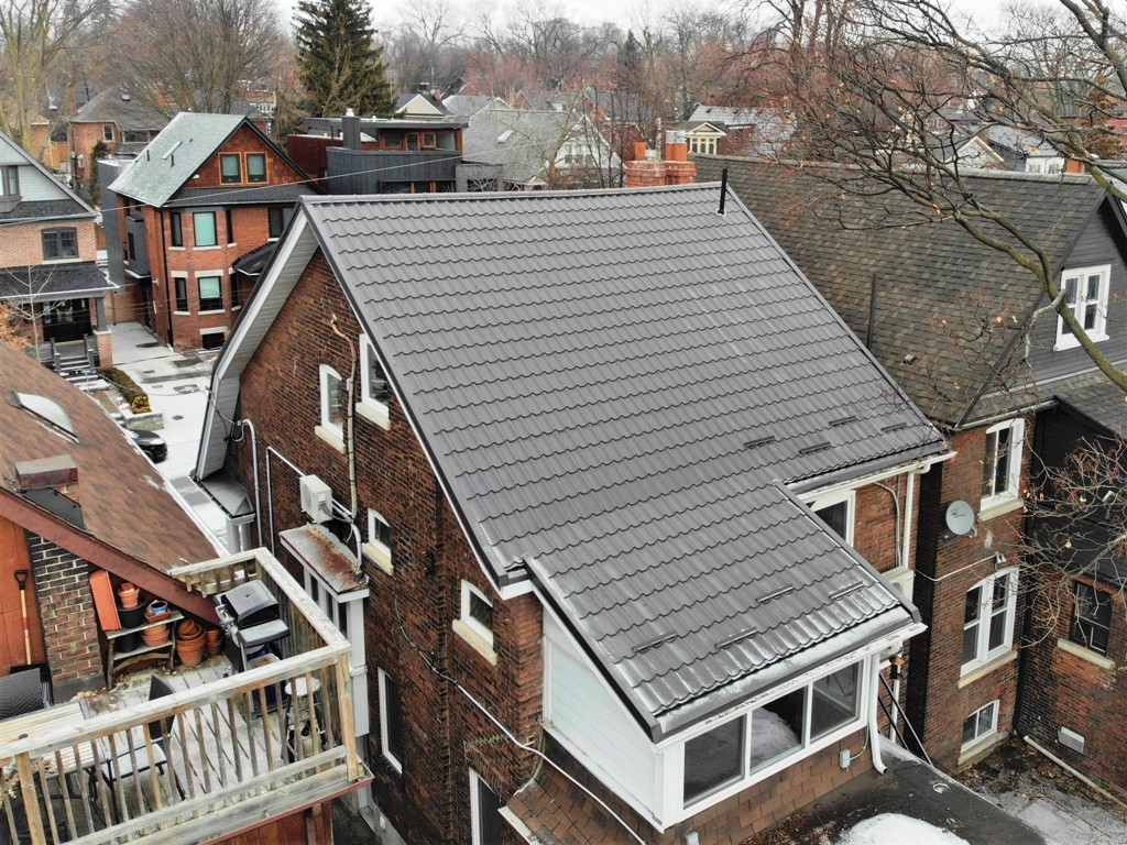 Roof Replacement At Toronto Downtown High Park Metal