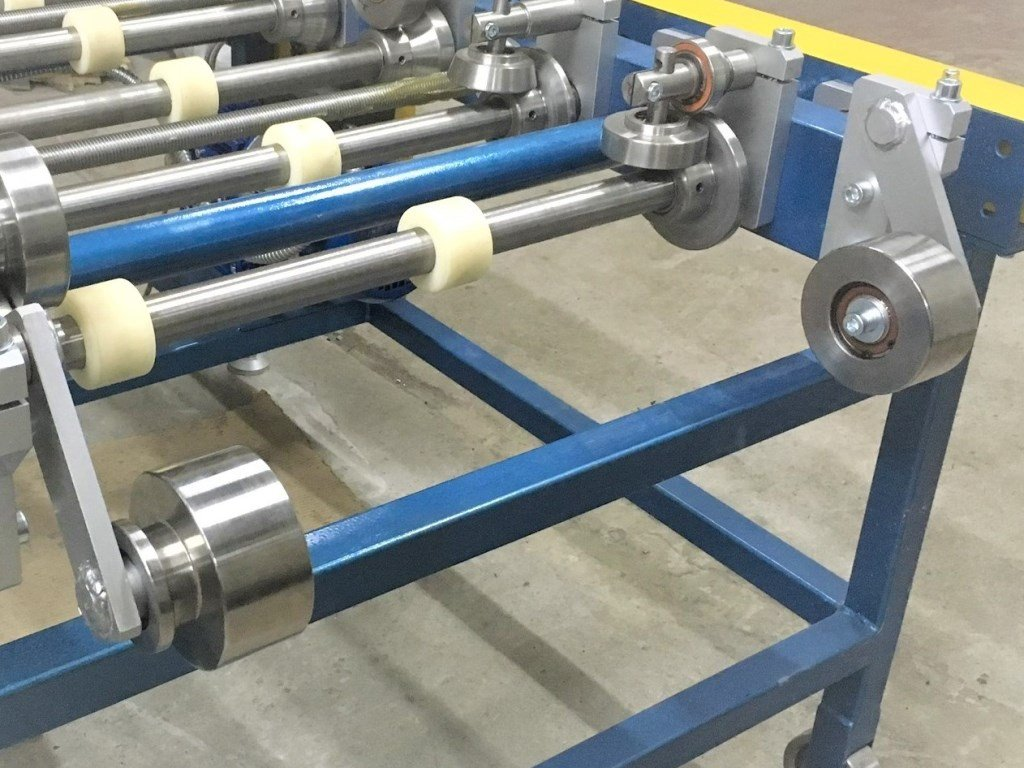 Rolls for bending panels