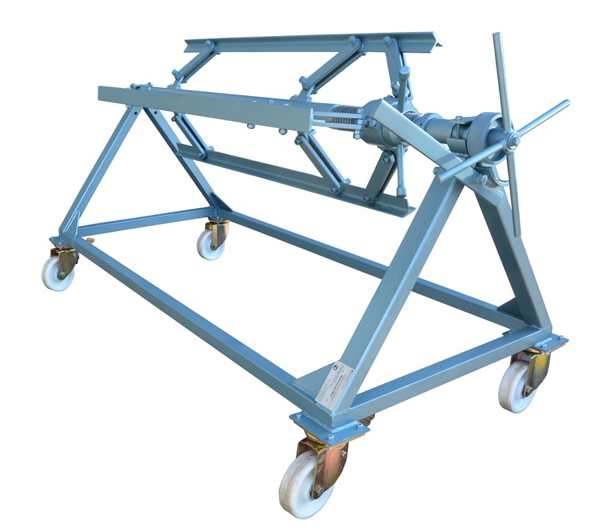 "Mobile decoiler 2000 kg / 4400 lbs., 1250 mm / 49"" wide."